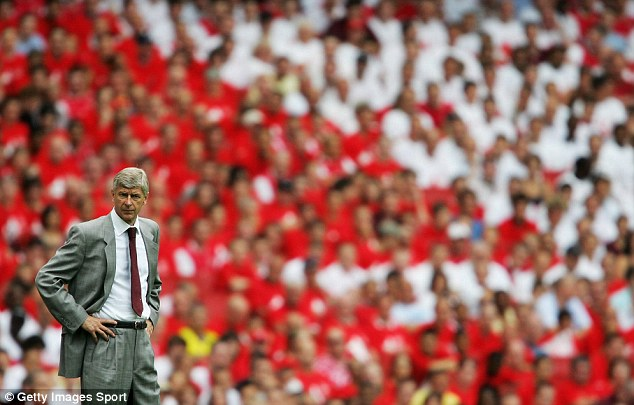 Arsene Wenger and crowd