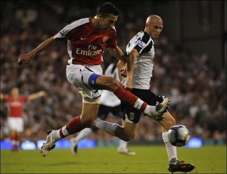 Robin van Persie goal Fulham